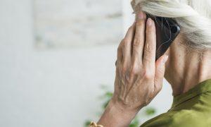 Telefoninių sukčių taikinys – senjorai