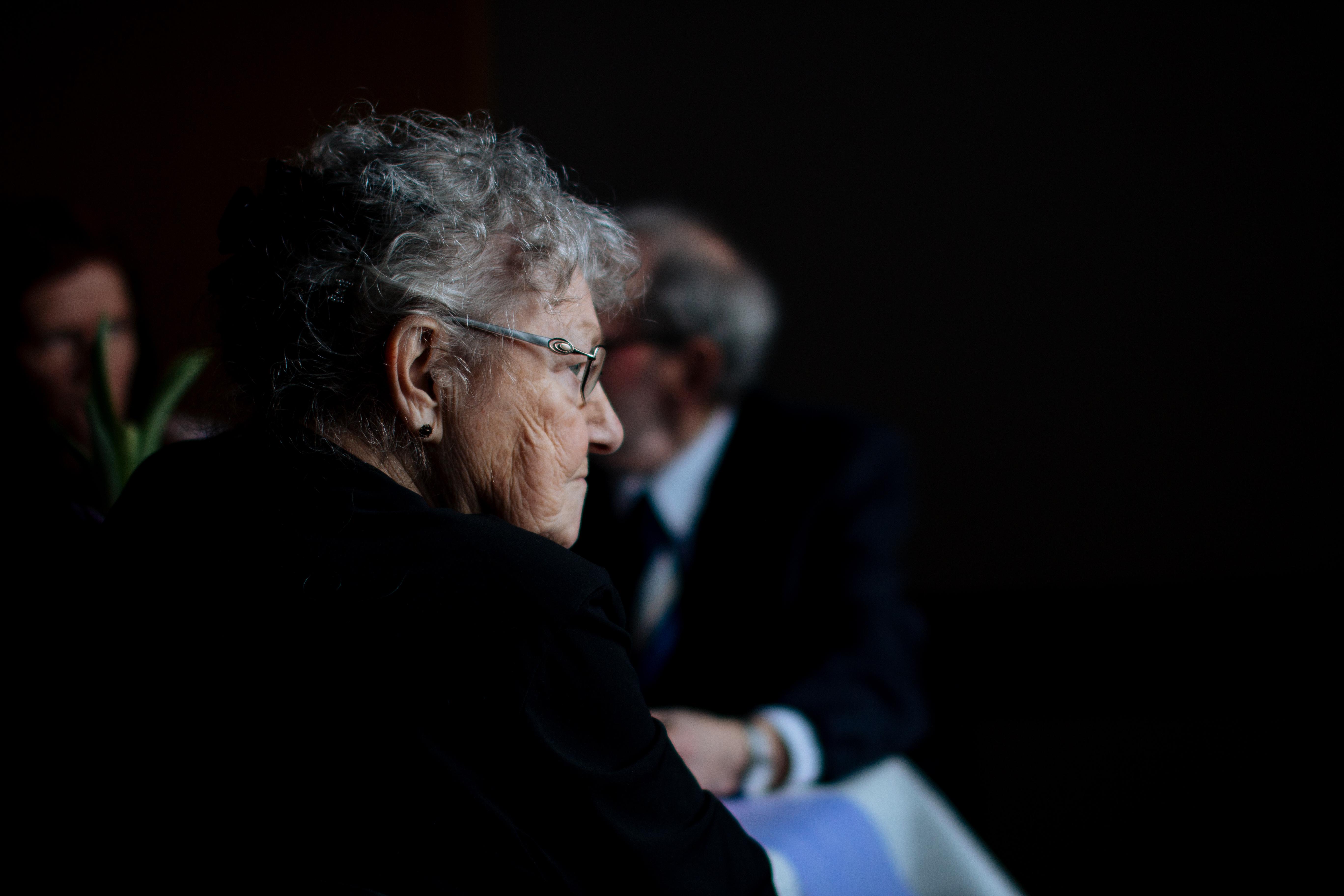 Apklausa: pensininkams gyventi sunku