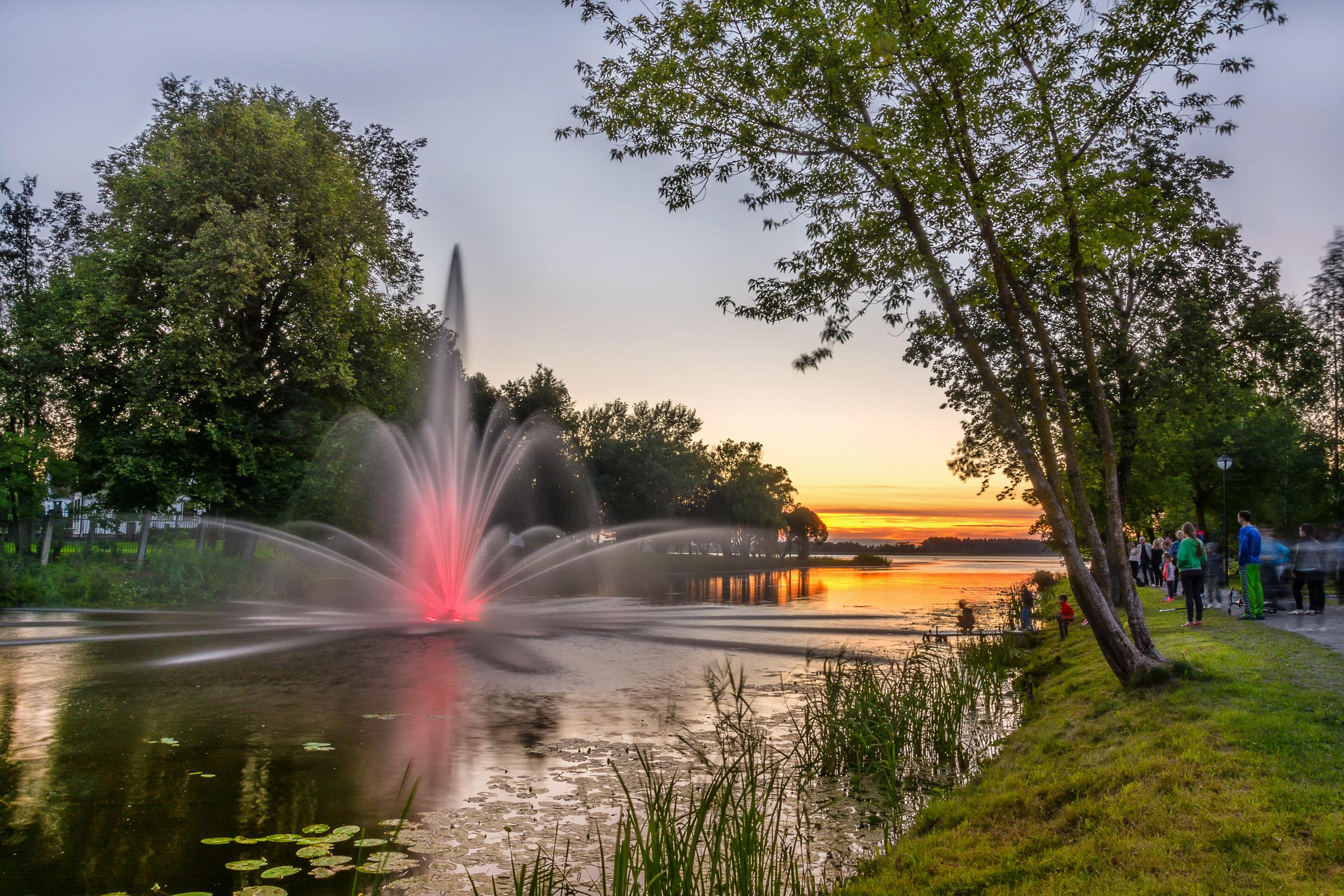 Biržų šviečiantys fontanai