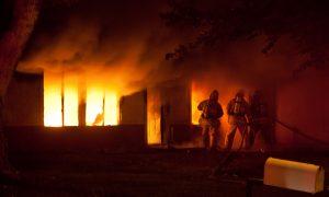 Padangų gaisras – pavojus žmogui ir žemei