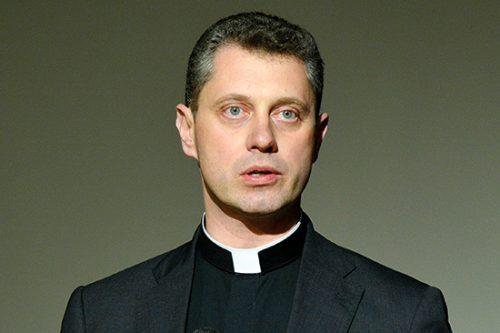 Kunigas R. Doveika