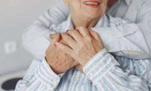 Vyresnieji delsia labiausiai