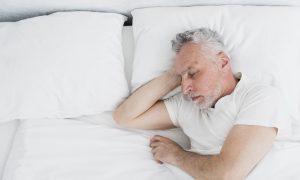 Knarkimas pavojingas ne šalia miegančiam, o Jums!
